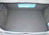 Erhöhter Kofferraumboden durch größ. Gastank