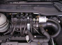Gas-Einbauten im Motorraum 1